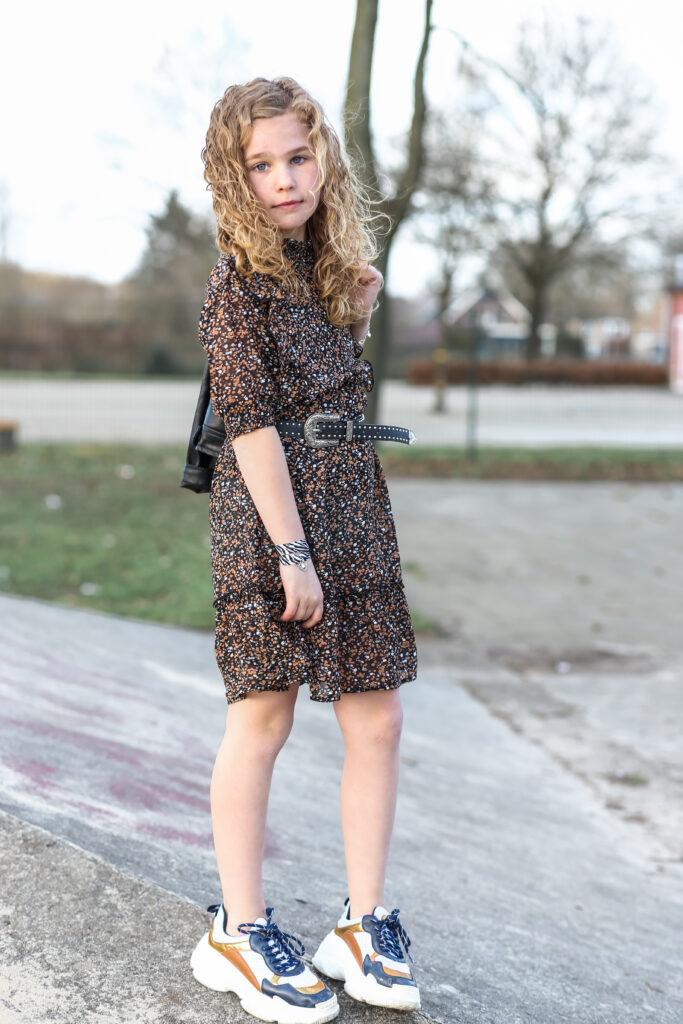 leuke meisjesjurkjes, hippe meidenjurk, retour jeans jurk, jurkje met bloemenprint, trendy meisjesjurk